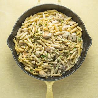 Simple One-Skillet Chicken Alfredo Pasta.