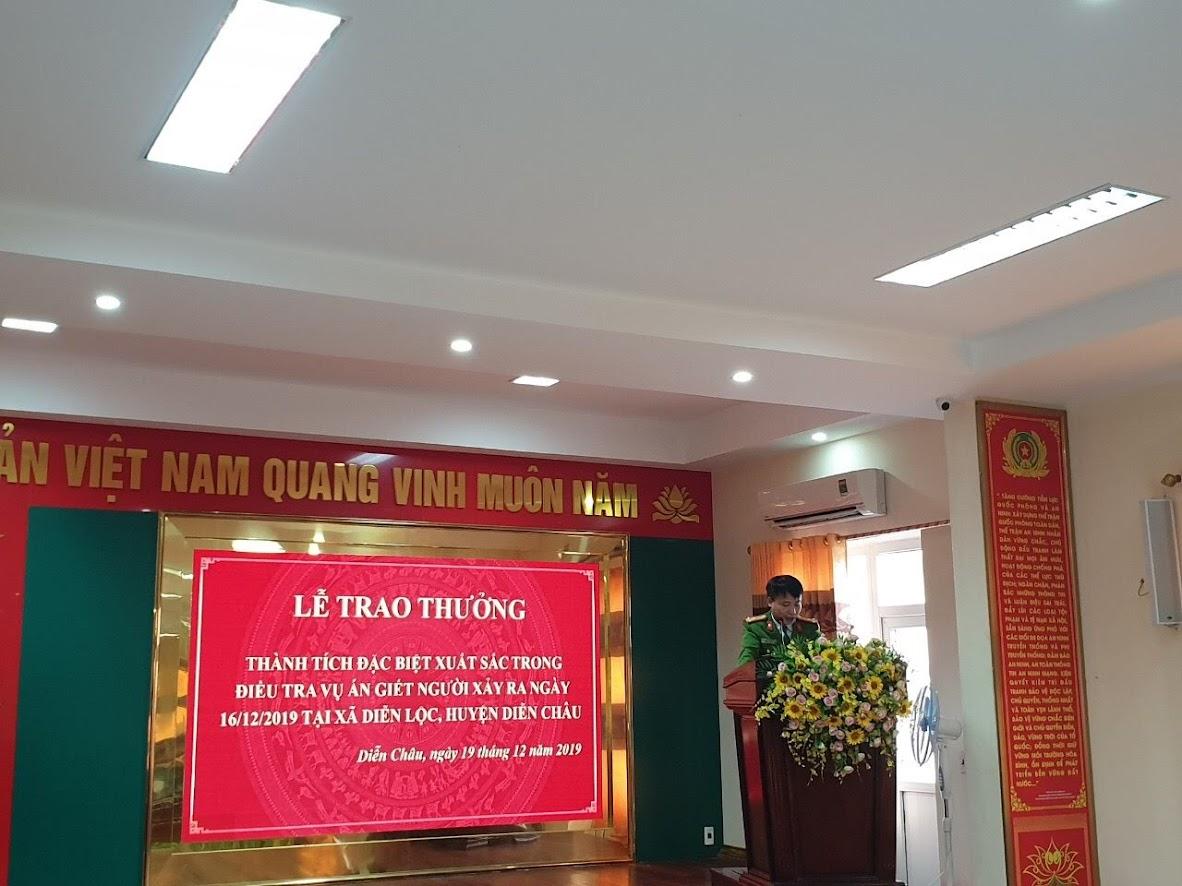 Đồng chí Thượng tá Nguyễn Duy Thanh, Trưởng Công an huyện Diễn Châu, báo cáo tóm tắt quá trình điều tra vụ án.
