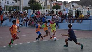 Fiesta del fútbol para todas las edades.
