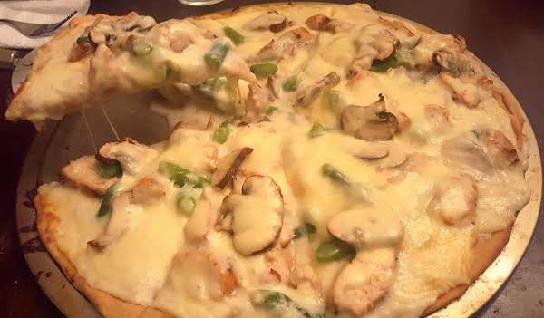Grilled Chicken & Asparagus White Pizza Recipe