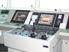 Photo: Bridge - Main control position