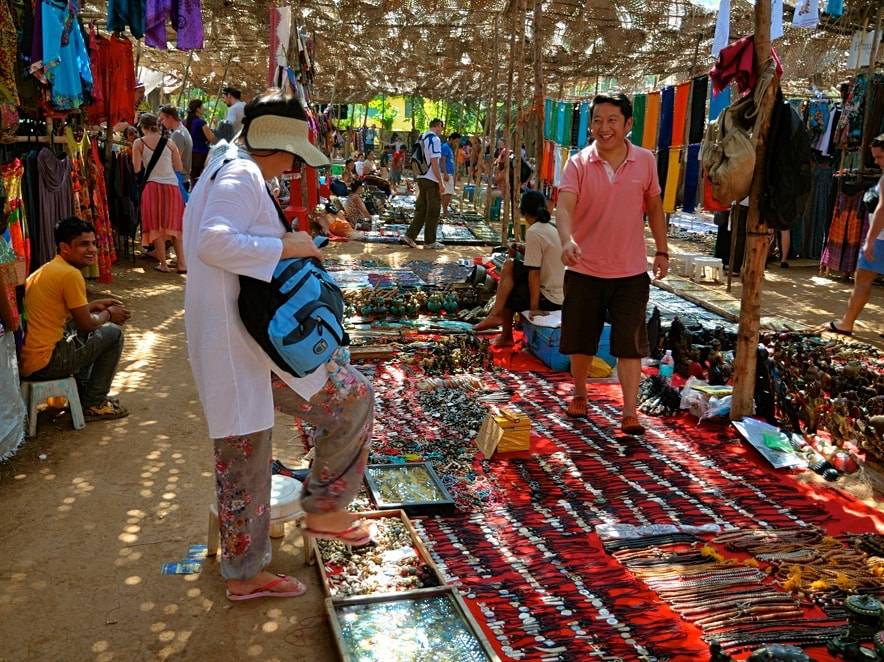 anjuna-flea-market-best-places-to-visit-in-goa_image