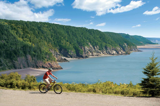 Explore Fundy Trail, with beautiful views of the Bay of Fundy, on bicycle during your visit to the Saint John area.