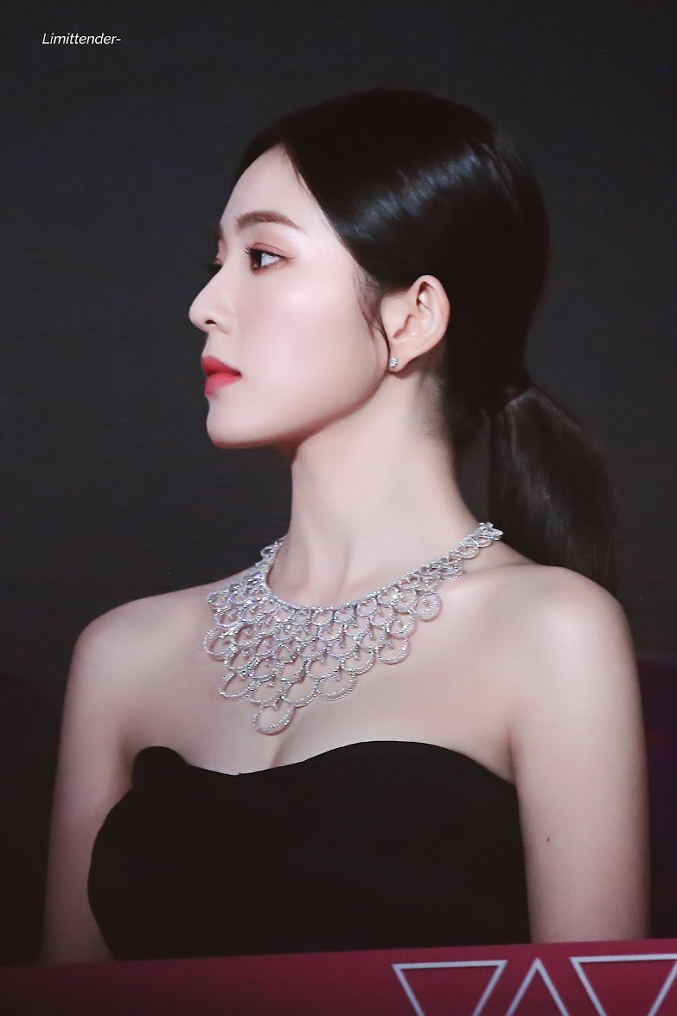 red-velvet-irene-necklace-4