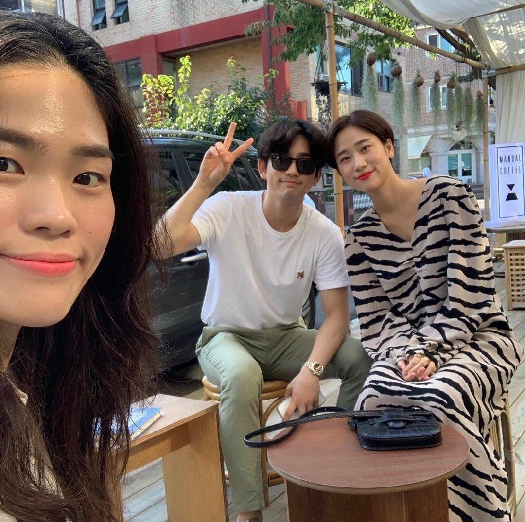 jinyoung sisters