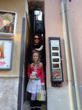 Photo: Mum & Daughter posing in Vicolo Stretto