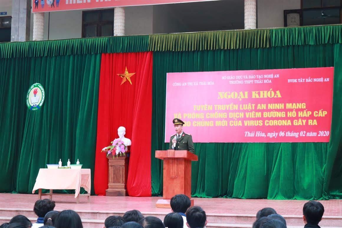 Đoàn Thanh niên Công an Thị xã Thái Hòa tuyên truyền Luật An ninh mạng và kỹ năng phòng, chống dịch bệnh do nCoV gây ra cho học sinh