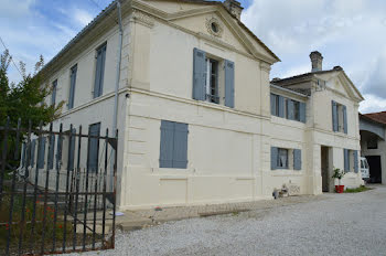 villa à Saint-Savin (33)