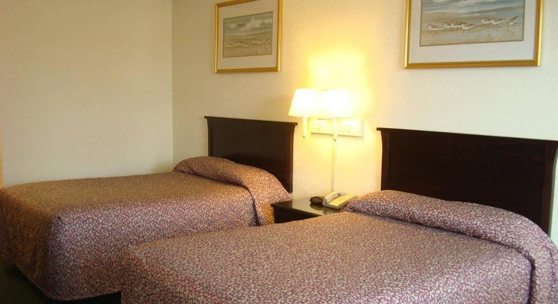 Relax Inn Savannah