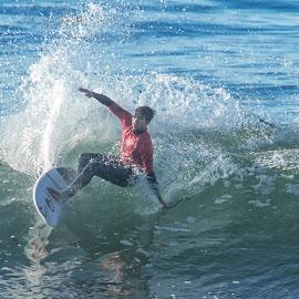 by Kelley Hurwitz Ahr - Sports & Fitness Surfing