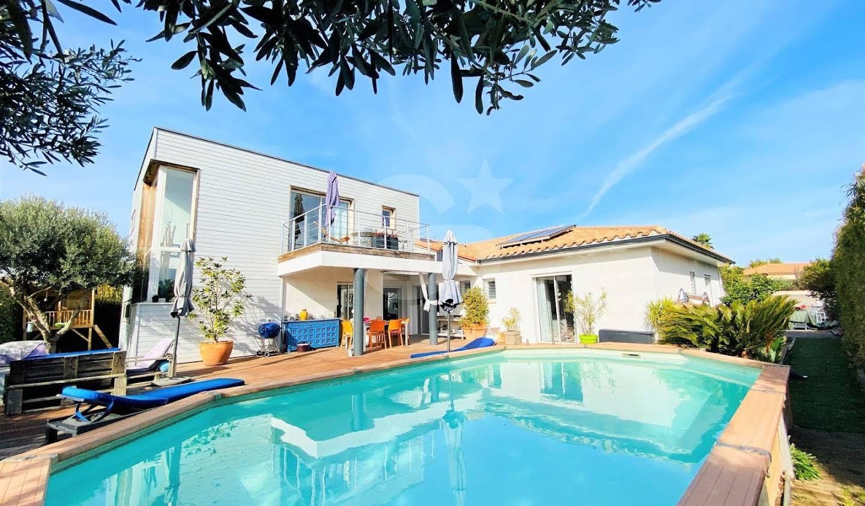 Villa avec piscine et terrasse Canet-en-Roussillon