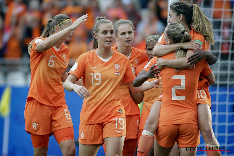 Nederland met perfect rapport naar volgende ronde op WK vrouwenvoetbal, Kameroen met Houdini-act in minuut 95