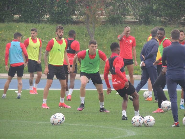 Jorge Cuenca, presionando para recuperar la pelota.