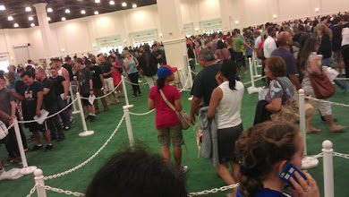 Photo: First line of the Con - Registration.