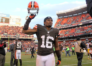 Photo: Josh Cribbs waves to fans after the Browns' victory over the Steelers. (Joshua Gunter, The Plain Dealer)