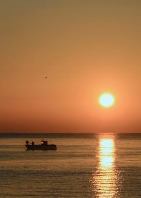 To fish when sunrise di Claudia@Costantino