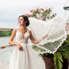 Wedding photographer Elena Nikolaeva (springfoto). Photo of 12.09.2019