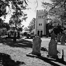 Dead centre. #iphone6s #cemetry #graveyard #anglican #church #komga #easterncape #southafrica #iphoneonly #bw #blackandwhite #menseselense by Deon Strydom - Black & White Buildings & Architecture