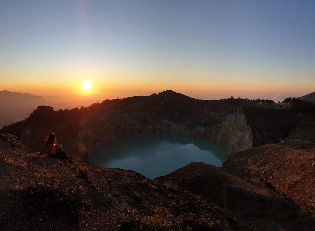 Deslumbrados com os lagos do Vulcão Kelimutu, na ilha das