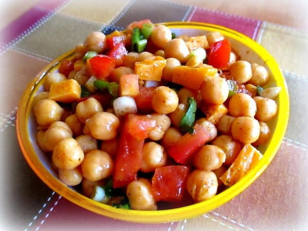 ~ Refreshing Chick Pea Salad ~ Recipe