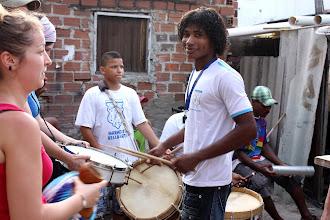 Photo: Retrouvailles avec Elisson dans le quartier de Caranguejo (2010)