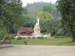 Photo: Temple outside of Chiang Dao cave