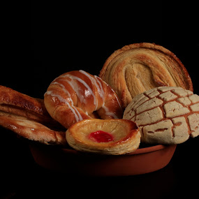 Mexican sweet bread by Cristobal Garciaferro Rubio - Food & Drink Cooking & Baking ( mexican bread, mexico, sweet bread )