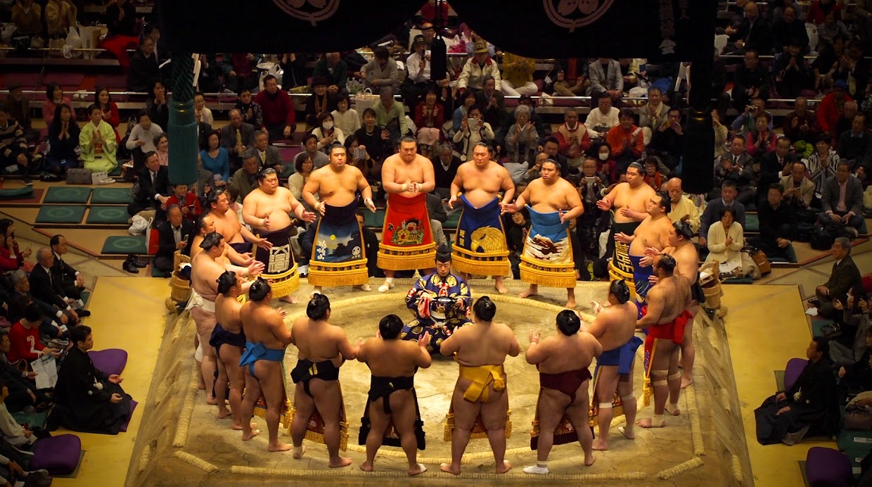 The Makuuchi (top division) ring entering ceremony.