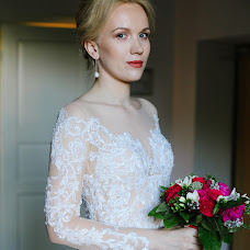 Wedding photographer Sveta Obolenskaya (svetavesna). Photo of 02.10.2018