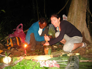 Photo: Tourists and local guide cooking-3 Days Nam Ha Jungle Camp in Luang Namtha, Laos