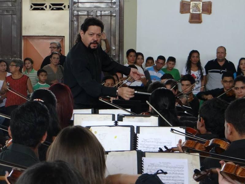 El maestro Gregory Carreño le impuso energía a la obra de Mozart