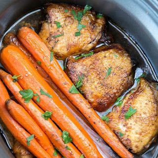 Slow Cooker Balsamic Chicken with Carrots.