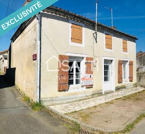 maison à Sainte-Gemme (79)
