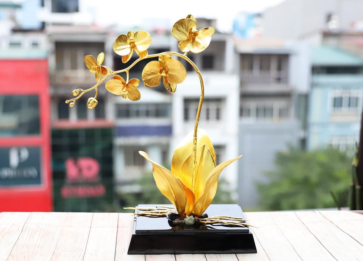 Lấp lánh bộ quà tặng ngày 20/10 lấy cảm hứng từ hoa của Royal Gift - Ảnh 4