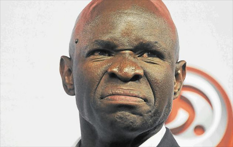 Steve Komphela will be unveiled as new coach at troubled Bloemfontein Celtic.