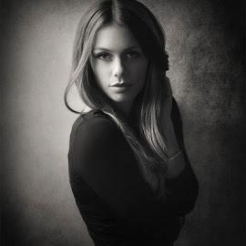 Mercédesz by Jozef Kiss - Black & White Portraits & People ( meszaros, mercedesz, gorgeous, beautiful, lovely, jozefkiss, beauty, cute, portrait )