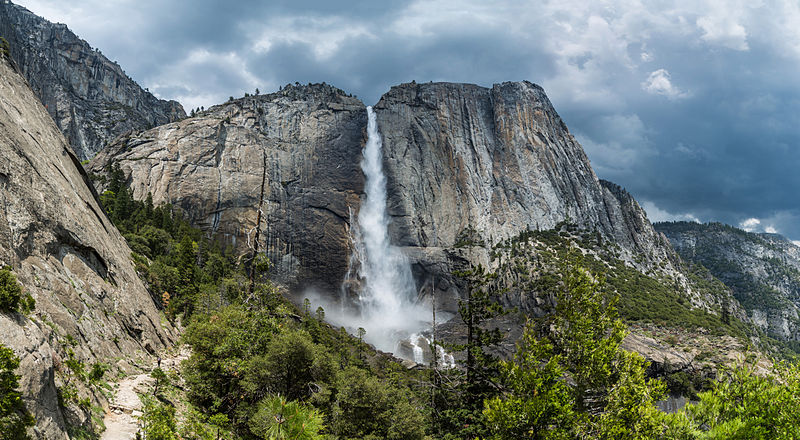Yosemite waterfall in california