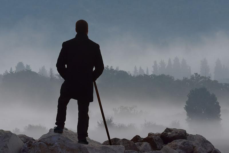"""""""Viandante sul mare di nebbia"""" di Caspar David Friedrich di BastetC"""