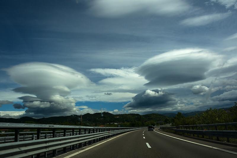 Strane nuvole all'orizzonte di LucaMonego