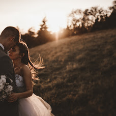 Wedding photographer Kamil Nadybał (maleszarestudio). Photo of 01.09.2017