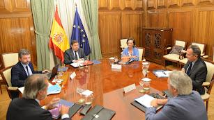 Reunión del ministro con los exportadores de frutas y hortalizas