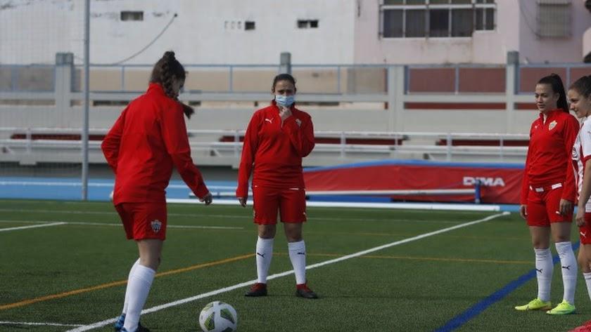 El Almería Femenino regresa a la actividad tras la cuarentena.