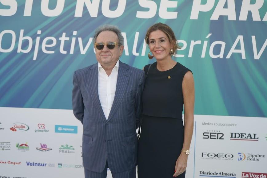 Enrique Martínez Leyva y Belén Martínez, de Plataforma.