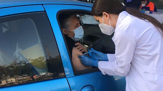 Vacunación esta mañana de jueves en el Palacio de los Juegos con AstraZeneca.