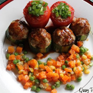 Stuffed Tomatoes and Zuchinni In Onion Gravy
