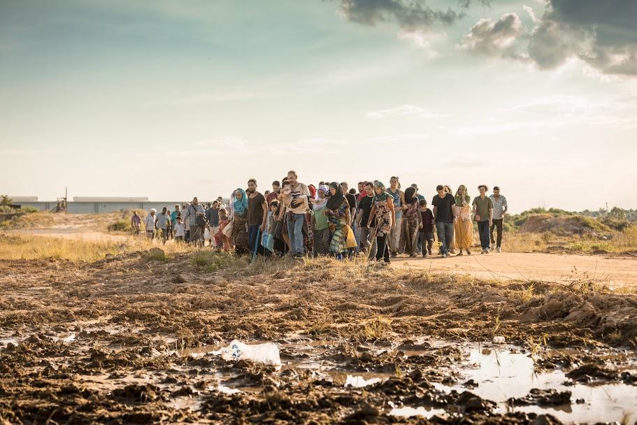 Travessia dos Refugiados / Órfãos da Terra