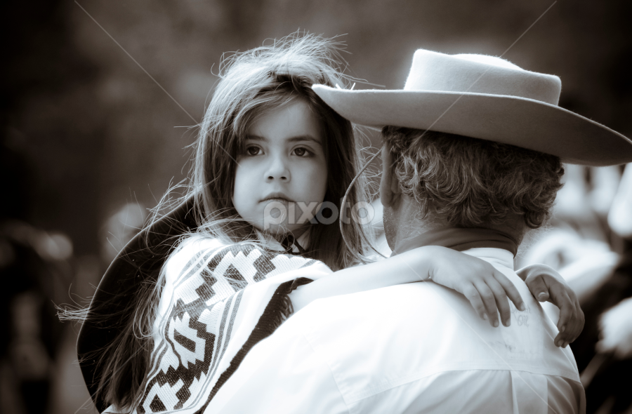 I see you! by Nelieta Mishchenko - Novices Only Street & Candid ( argentina, girl, gauchos, black and white, grandfather, candids, granddaughter, cowboy hats, portraits, portrait, street photography )