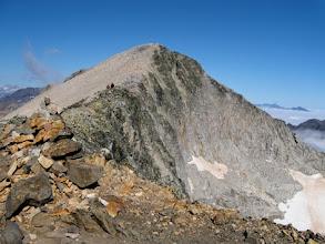 Photo: La discesa dal Perdiguero verso il Lago de Literola avviene tutta in cresta: superfigo!