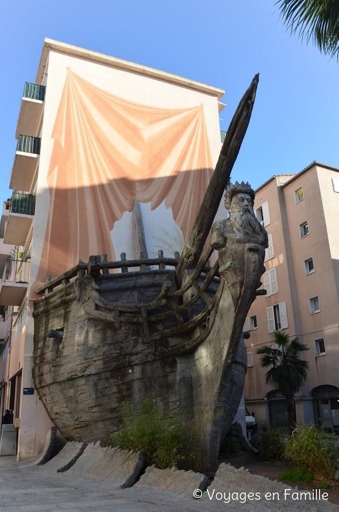 Toulon - bateau sculpture