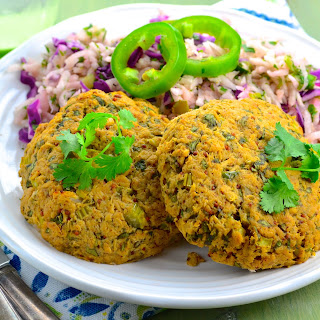 Baked Tuna Cakes with Jicama Slaw